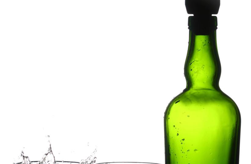 Bottle of alcohol (photo credit: ING IMAGE/ASAP)