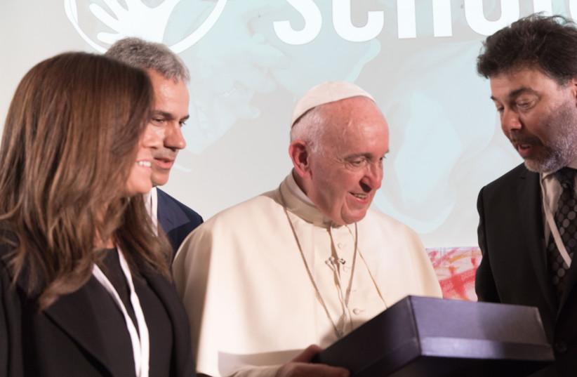 Pope Francis facilitates historic collaboration between the Vatican and World ORT.  (photo credit: BERNARDO SAN TORCUATO)