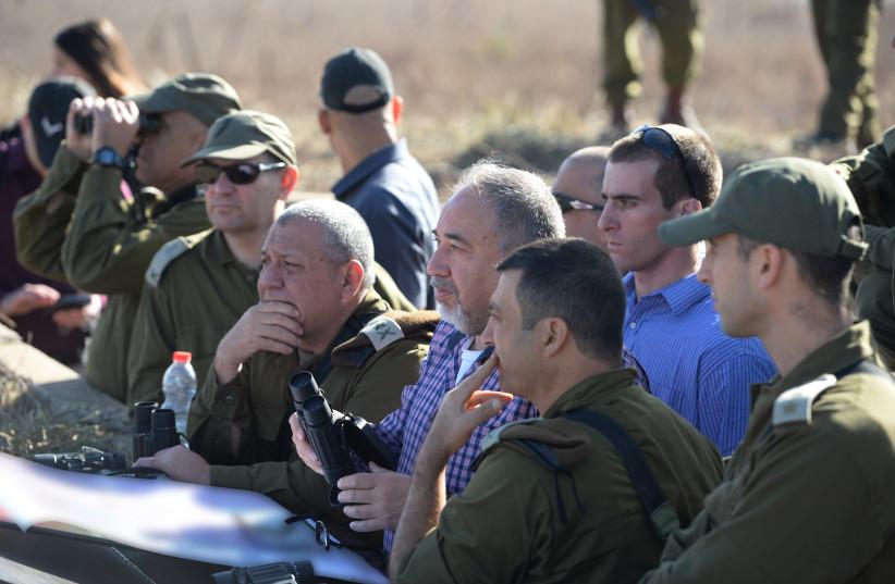Defense Minister Avigdor Liberman on Israel's northern border, November 2017 (photo credit: ARIEL HERMONI / DEFENSE MINISTRY)