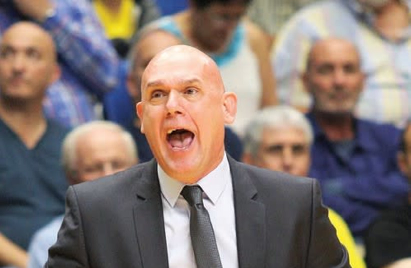 Maccabi Tel Aviv coach Neven Spahija is confident his team can bounce back when it faces Khimki Moscow in Russia tonight, two days after losing to Efes Istanbul by 20 points at Yad Eliyahu Arena (photo credit: ADI AVISHAI)
