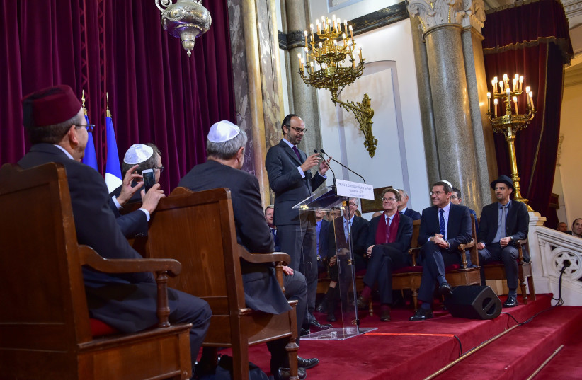 French Prime Minister Edouard Philippe delivers a speech to the Jewish Community for the Jewish New Year, or Rosh Hashanah, at the Buffault Synagogue in Paris, France, October 2, 2017. (photo credit: REUTERS/CHRISTOPHE ARCHAMBAULT/POOL)
