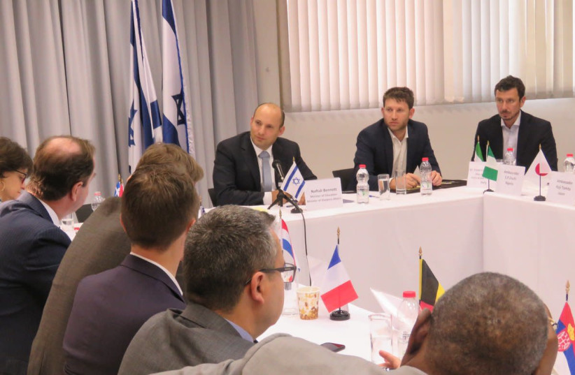 Education Minister Naftali Bennett briefs foreign diplomats ahead of the UNGA vote on Trump's Jerusalem move (photo credit: Courtesy)