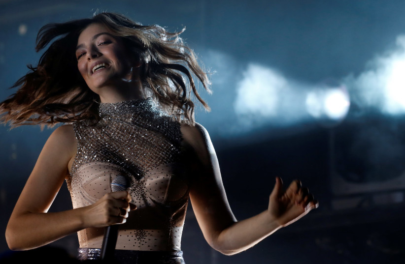 Lorde performs during the Coachella Valley Music and Arts Festival in Indio, California, U.S. April 16, 2017.  (photo credit: REUTERS)