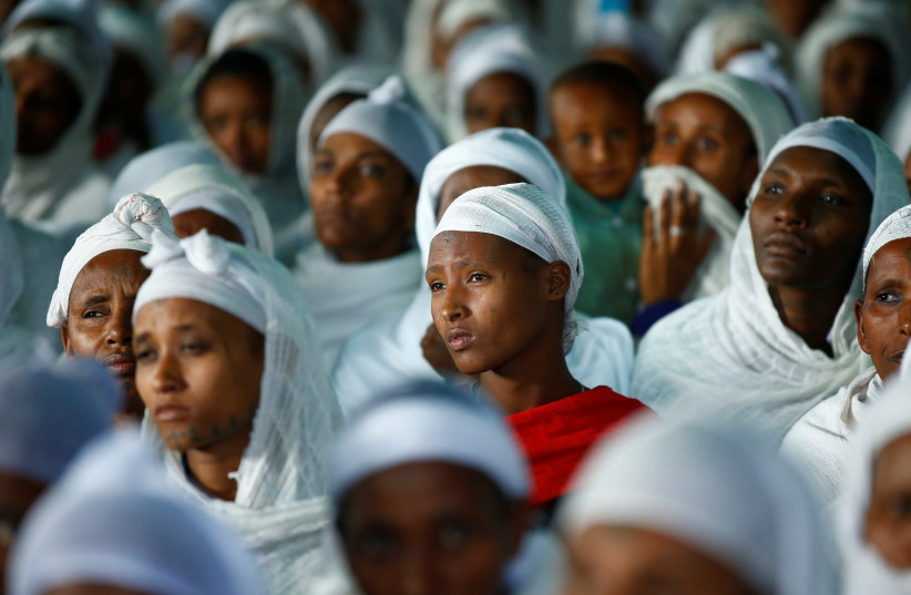 Members of the Jewish Ethiopian community attend a prayer service at the HaTikvah Synagogue in Gondar, northern Ethiopia, September 30, 2016. (photo credit: REUTERS)
