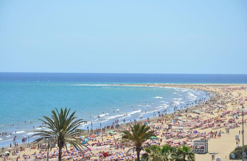 Playa del ingles, Gran Canaria  (photo credit: MARCO VERCH / WIKIMEDIA)
