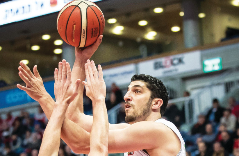 Hapoel Jerusalem forward Lior Eliyahu had 16 points and seven rebounds in last night's win over Maccabi Haifa in BSL action at the Jerusalem Arena (photo credit: UDI ZITIAT)