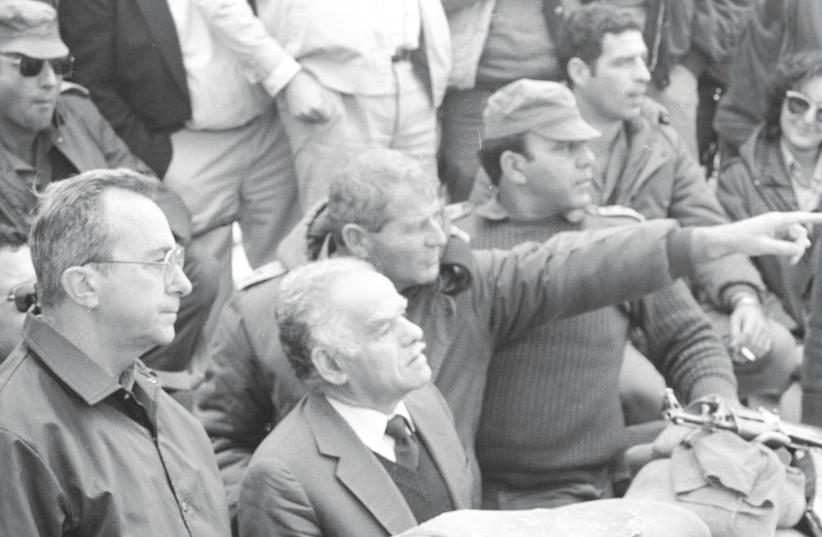 Yitzhak Shamir, prime minister during the 1991 Gulf War, is flanked by then-defense minister Moshe Arens (left) and an unidentified officer (photo credit: DEFENSE MINISTRY)