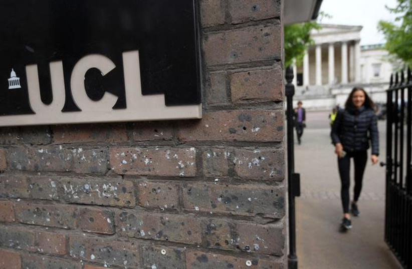 Students and visitors are seen walking around the main campus buildings of University College London (UCL), part of the University of London, Britain, April 24, 2017. (photo credit: REUTERS/TOBY MELVILLE)