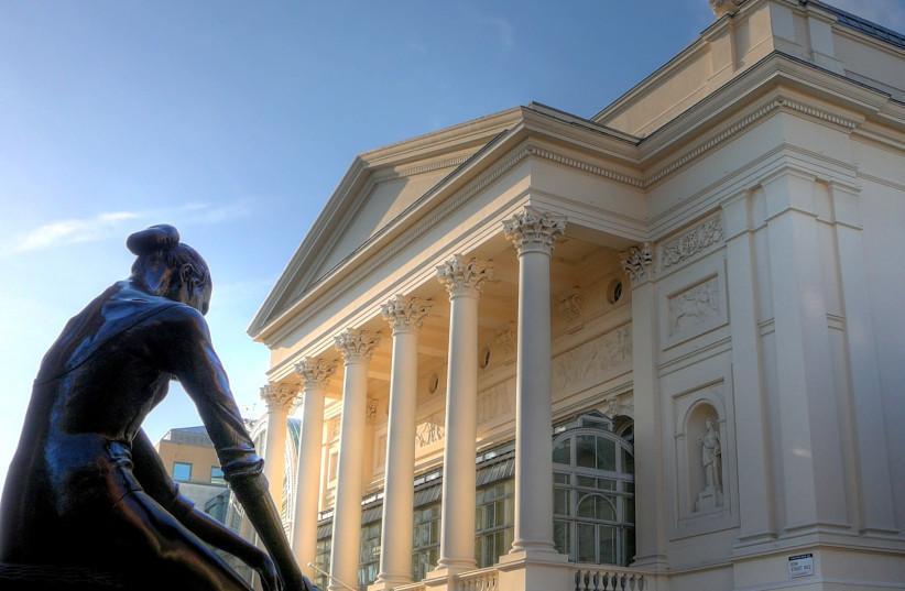 Royal Opera House in London (photo credit: WIKEMEDIA COMMONS/RUSS LONDON)