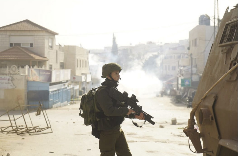 IDF soldier near Jenin  (photo credit: IDF SPOKESMAN'S UNIT)