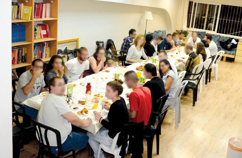 Repas de chabbat au Centre Hillel (photo credit: DR)