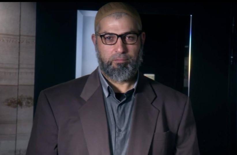 Zvi Yehezkeli undercover as Sheikh Abu Hamza (photo credit: CHANNEL 10)