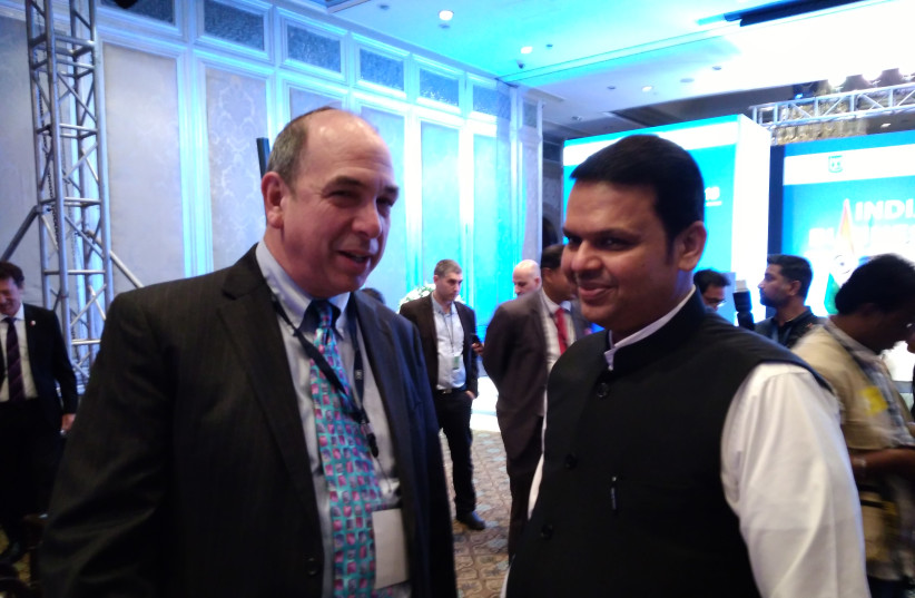 Axis Innovation CEO Ed Frank with Chief Minister of Maharashtra, Mr. Devendra Fadnavis at the Prime Minister's Business Delegation to India at the Mumbai Business Summit (photo credit: Courtesy)