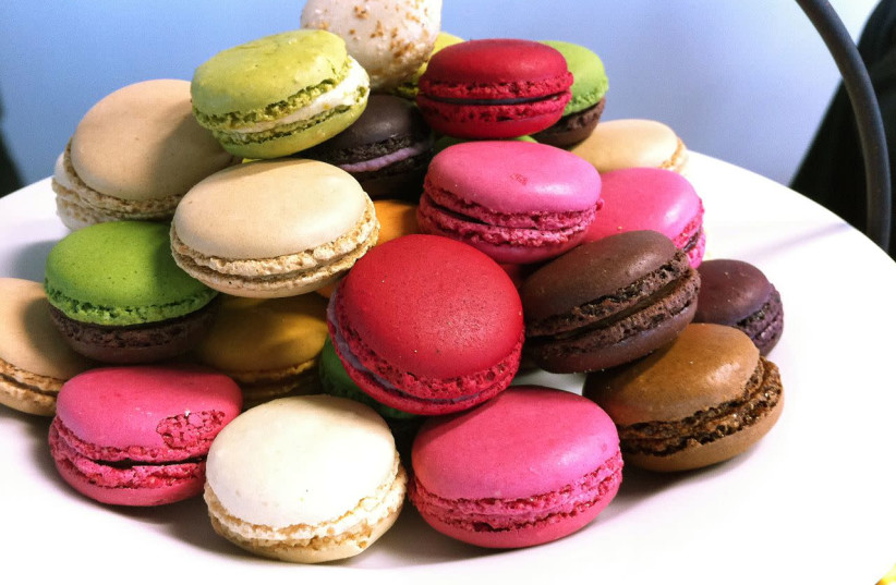 French Macarons  (photo credit: NICOLAS HALFTERMEYER / WIKIMEDIA COMMONS)