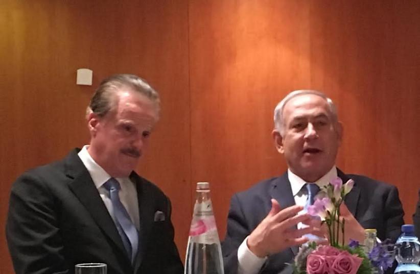 Dr. Mike Evans and Prime Minister Benjamin Netanyahu at their meeting last week in Jerusalem (photo credit: Courtesy)