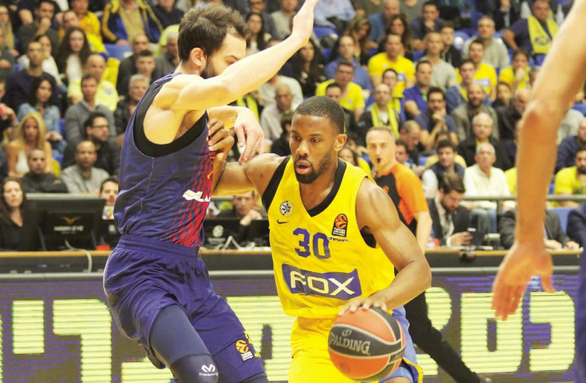 Maccabi Tel Aviv guard Norris Cole (30) will try and brush aside his recent struggles with consistency when the yellow-and-blue hosts CSKA Moscow tonight in Euroleague action at Yad Eliyahu Arena (photo credit: ADI AVISHAI)