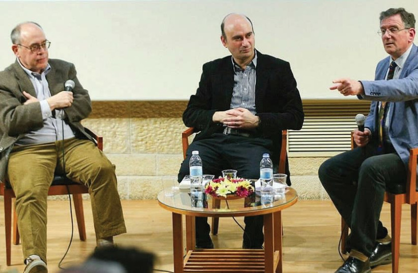AUTHORS ELLIOT JAGER (left) and Azriel Bermant (center) discuss British-Israeli relations with journalist Matthew Kalman in Jerusalem on Tuesday. (photo credit: ELIYAHU YANAI/MISHKENOT SHA'ANANIM)