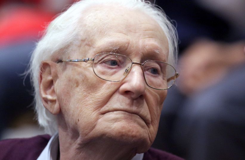"Oskar Groening, defendant and former Nazi SS officer dubbed the ""bookkeeper of Auschwitz"", is pictured in the courtroom during his trial in Lueneburg, Germany, July 15, 2015. (photo credit: REUTERS/AXEL HEIMKEN/POOL)"