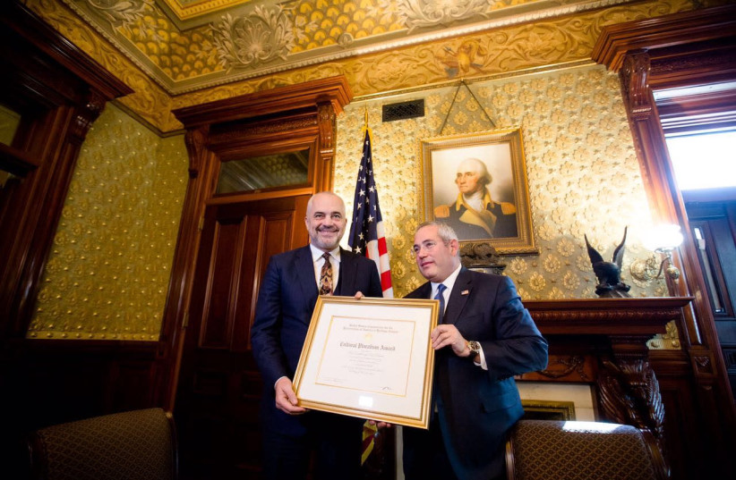 Prime Minister Edi Rama receives award at the White House during his visit to the US  (photo credit: ALBANIAN PMO)