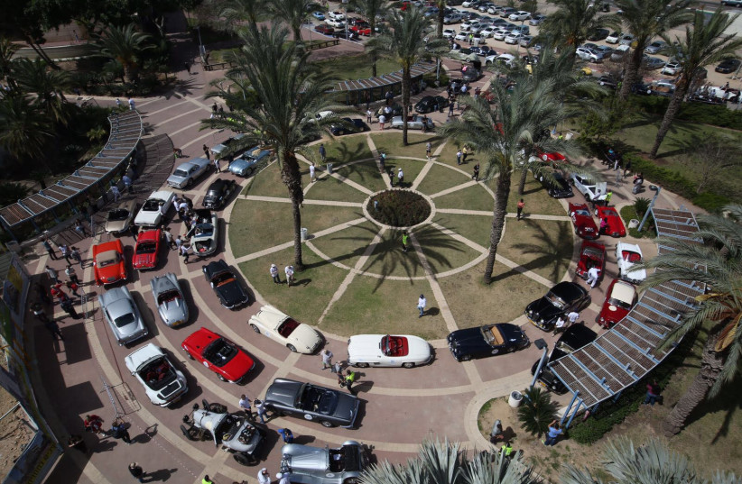 """Classic cars participate in the """"Holy Land 2018"""" drive throughout Israel (photo credit: RONEN TOPELBERG/ YONATAN BEN HAIM)"""