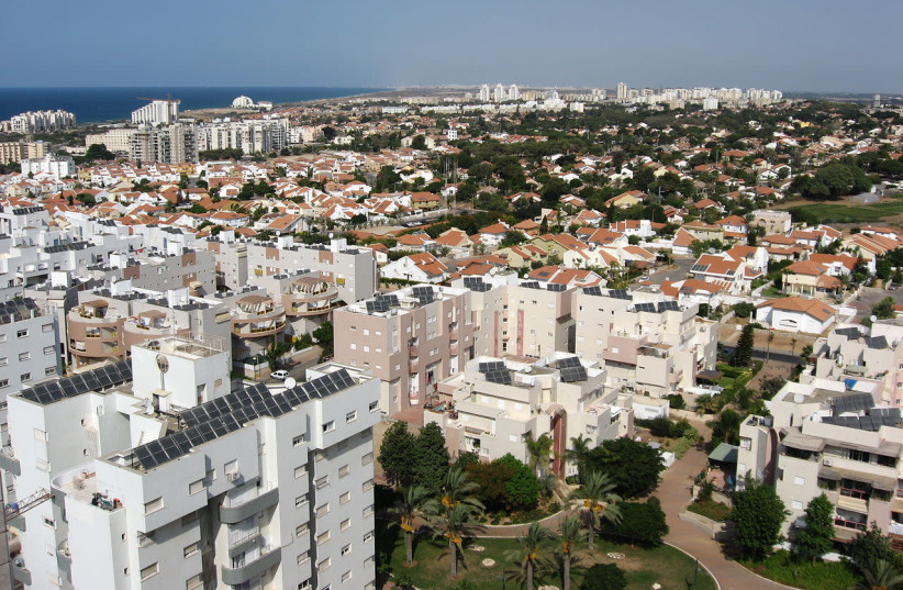 Ashkelon skyline (photo credit: WIKIPOD / WIKIMEDIA COMMONS)
