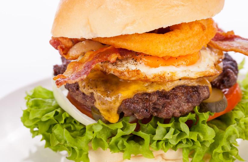 Bacon cheeseburger (photo credit: INGIMAGE)