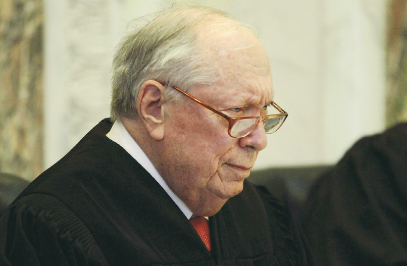 JUDGE STEPHEN REINHARDT listens to arguments during a hearing in San Francisco in 2010 (photo credit: REUTERS)