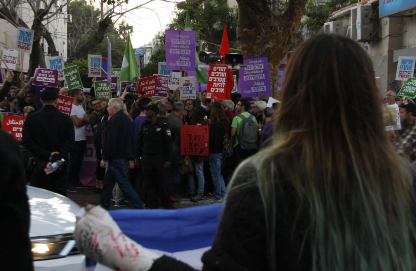 A protest in Tel Aviv against violence on the Gaza border, Sunday, April 1 2018.  (photo credit: KAJA BOUMAN)