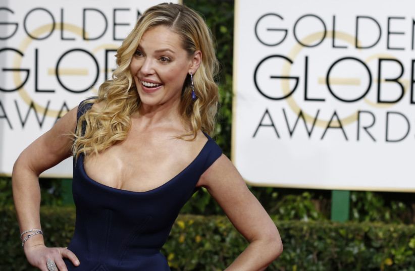 Actress Katherine Heigl arrives at the 72nd Golden Globe Awards in Beverly Hills, California January 11, 2015. (photo credit: REUTERS/MARIO ANZUONI)