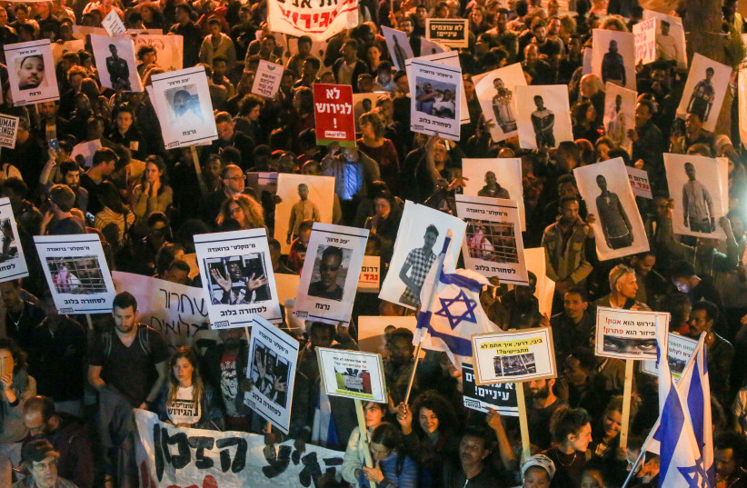 Protestors demonstrate against Israel's plan to deport asylum-seekers (photo credit: MARC ISRAEL SELLEM/THE JERUSALEM POST)
