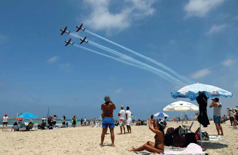 AIRPLANES FLY over Israel for Independence Day. (photo credit: REUTERS)