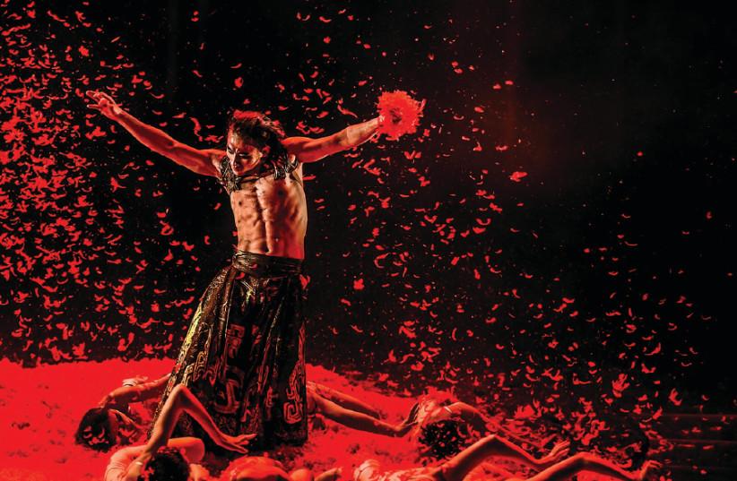 The Yang Liping Dance Company presents 'Under Siege' (photo credit: CHRISTOPHE RAYNAUD DE LAGE)