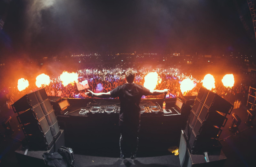 DJ Hardwell at Live Park Rishon Lezion, 2018 (photo credit: OREL SABRAN)
