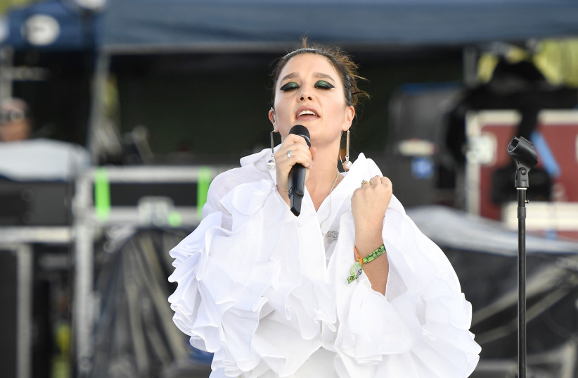 Jessie Ware performs onstage during the 2018 Coachella Valley Music and Arts Festival Weekend 1 at the Empire Polo Field on April 15, 2018 in Indio, California (photo credit: FRAZER HARRISON / GETTY IMAGES NORTH AMERICA / AFP)
