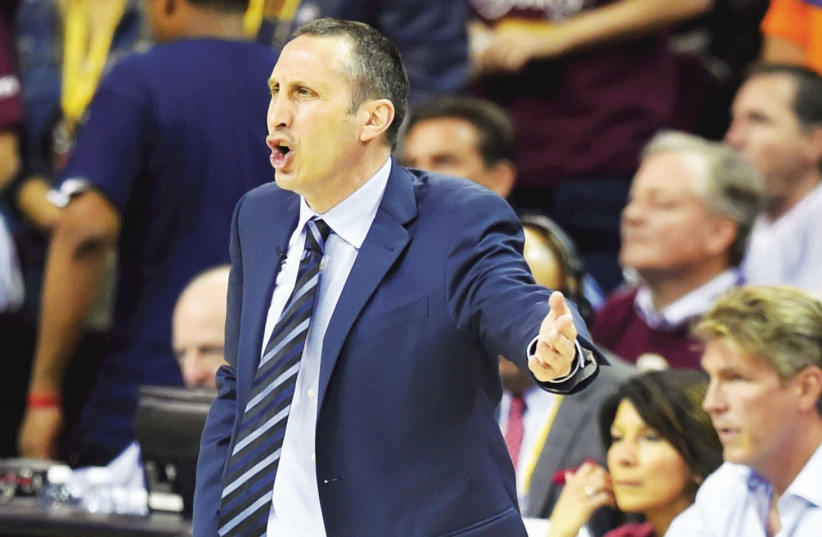 Israeli coach David Blatt led Turkish team Darussafaka to the Eurocup title last week and now is eyeing a return to an NBA sideline (photo credit: REUTERS)