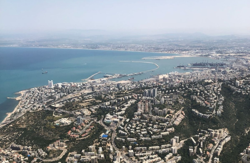 An aerial shot of Haifa during Israel's annual Independence Day airshow, April 19, 2018 (photo credit: ANNA AHRONHEIM)