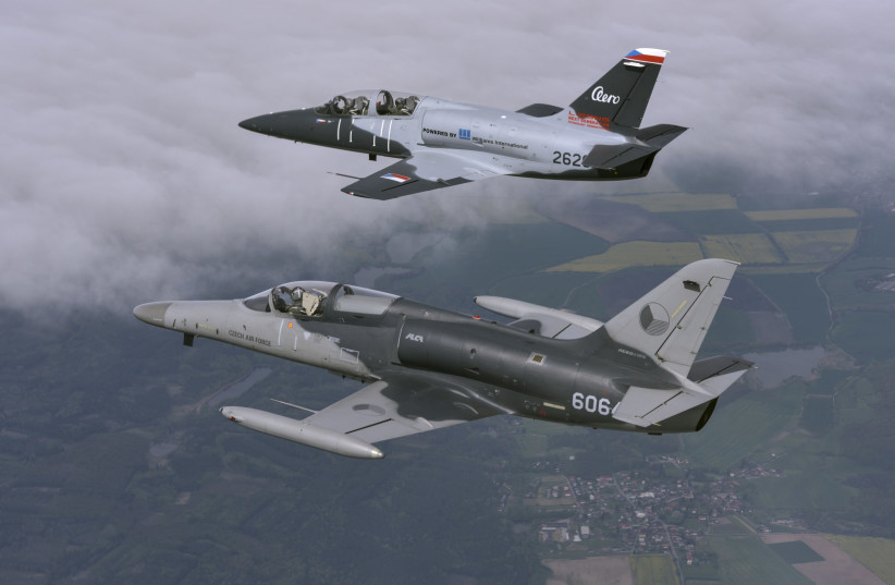 Israeli and Czech aerospace giants cooperate on new attack aircraft