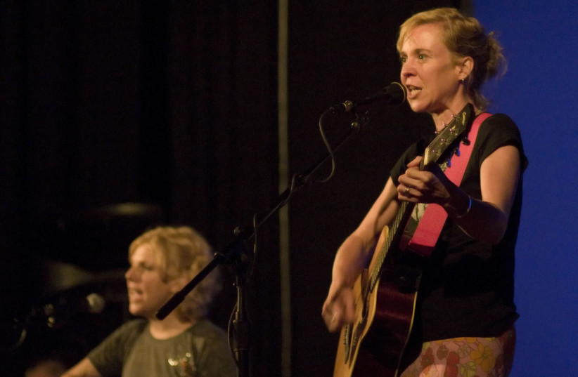 Kristin Hersh at the Brattle Theater (photo credit: AUDREY_SEL / WIKIMEDIA COMMONS)
