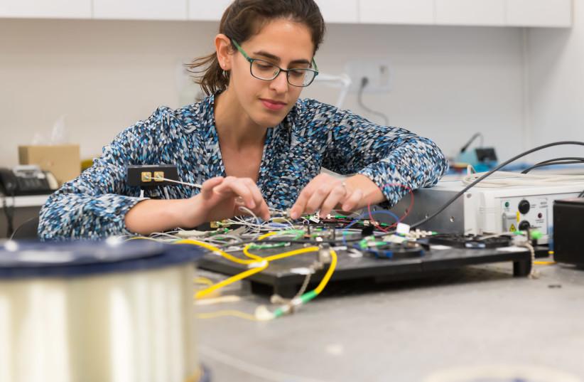 Tel Aviv University's smart artificial intelligence program