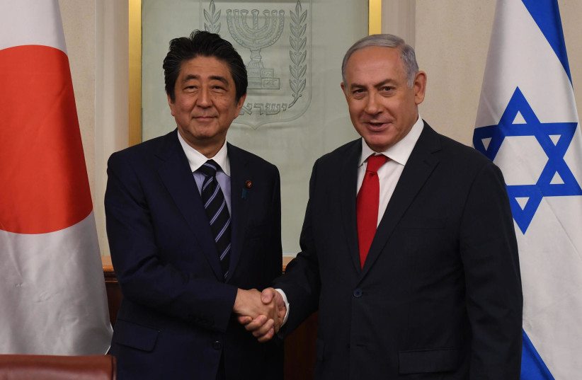 Prime Minister Benjamin Netanyahu meets Japanese Prime Minister Shinzo Abe, May 2, 2018 (photo credit: GPO PHOTO DEPARTMENT)