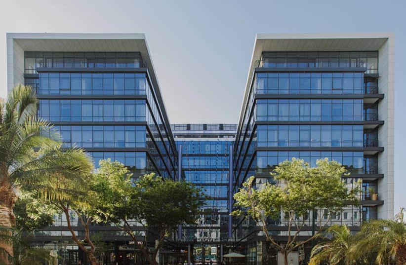 Front view of Doctors Private Clinics - HaBarzel 11 st. Tel-Aviv (photo credit: ASSAF PINCHUK)