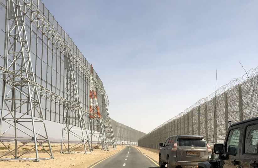 State of the art smart fence to protect future Eilat Ilan and Assaf Ramon International Airport and the Jordanian border (photo credit: ANNA AHRONHEIM)