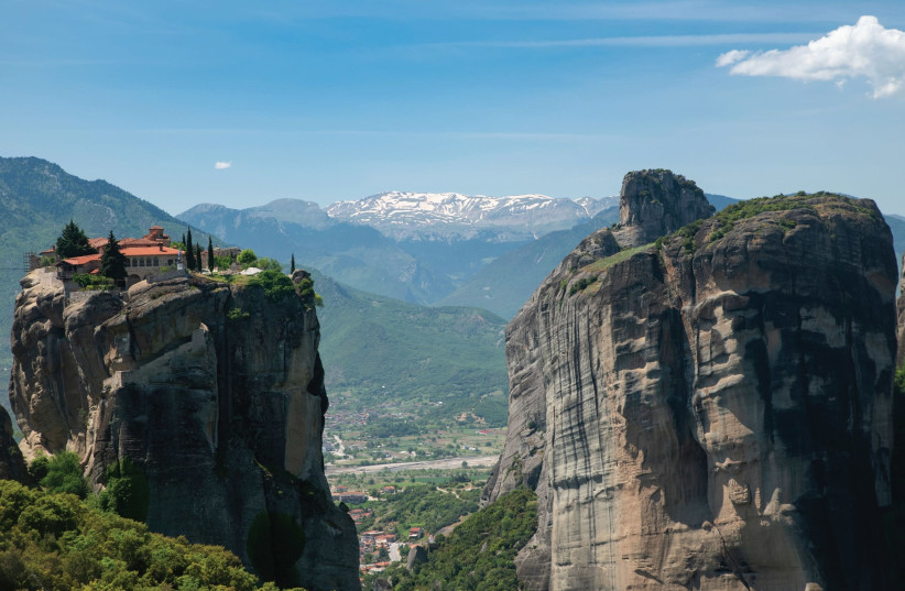 FABLED MONASTERIES are perched on rare rock formation 'stilts' in central Greece's Meteora (photo credit: ESHET TOURS)