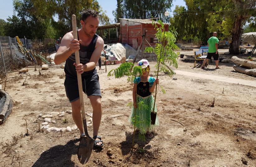 Tree planting event in Kibbutz Nahal Oz on the Gaza Border (photo credit: KKL-JNF PHOTO ARCHIVE)