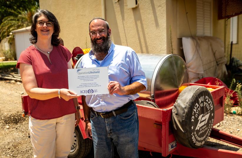 Firefighting trailer donated to Eshkol Regional Council by the International Christian Embassy Jerusalem, July 8, 2018 (photo credit: INTERNATIONAL CHRISTIAN EMBASSY JERUSALEM)