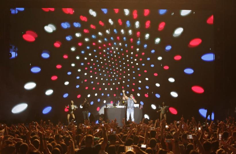 Flo Rida performing in Rishon Lezion (photo credit: DANIEL STRAVORAVDIS)