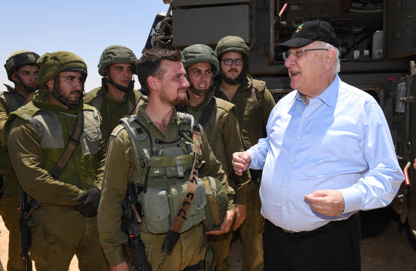 President Reuven Rivlin meets IDF soldiers at Shivta base, July 11, 2018 (photo credit: Mark Neiman/GPO)