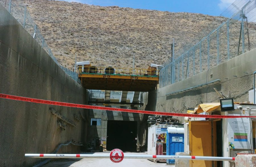 A closed construction site, after a tunnel collapse killed a worker, July 13, 2018 (photo credit: ISRAEL POLICE)