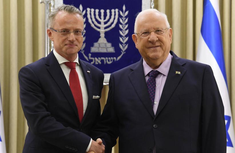 President Reuven Rivlin meeting Polish Ambassador Marek Magierowski, August 2, 2018 (photo credit: YONATAN SINDEL/FLASH 90)