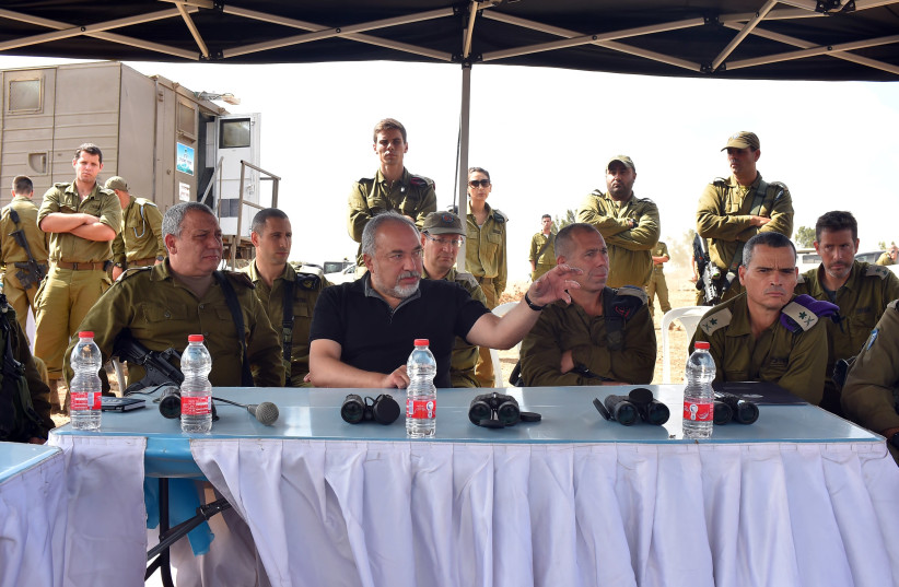 Defense Minister Avigdor Liberman visits troops in the Golan Heights, August 7, 2018 (photo credit: ARIEL HERMONI / DEFENSE MINISTRY)